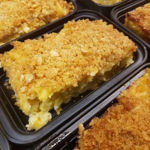macaroni and cheese with crumb topping